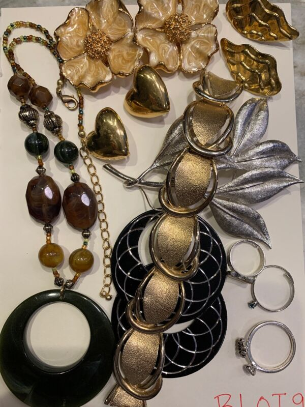Jewelry Lot - Non Precious but Solid - 4 Pairs Earrings - BLOT9 — Jewelry Lot