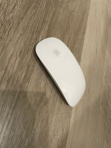 Apple Magic Mouse 2 (MLA02LL/A) Wireless Mouse - Silver Used