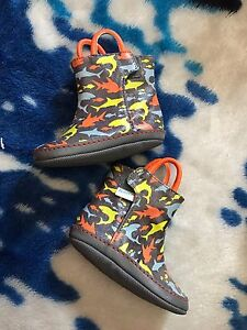 Robeez baby Boys US 2 rain boots like new 3-6 months