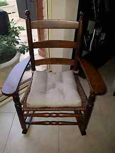 STUNNING EDWARDIAN ANTIQUE ROCKING CHAIR Windsor Gardens Port Adelaide Area Preview