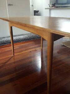 Retro vintage mid century original Parker dining table