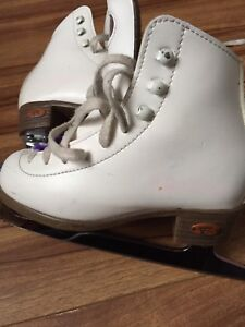 Riedell Stock 15W size 12 (Junior) Girl's Figure Skates