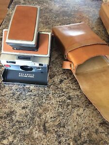 Vintage Polaroid SX-70 Folding Instant Land Camera