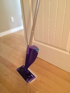 Swiffer + 1 boite 12 recharge coussin nettoyant