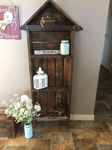 Country rustic shelf and planter