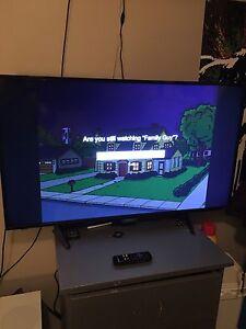 """Sharp 43"""" SMART TV! WANT GONE. Belleville Belleville Area image 2"""
