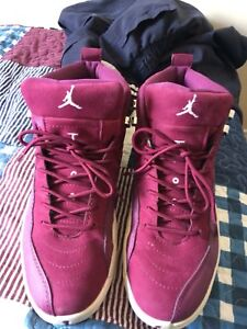 Jordan's retro 12 Bordeaux
