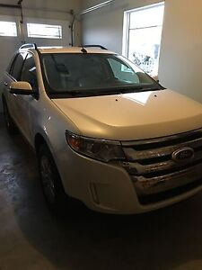 2013 Ford Edge limited with low kms
