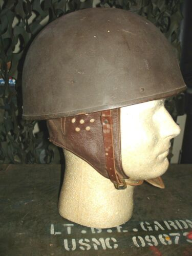 WW2 1945 DATED SIZE 7 MOTORCYCLE RIDERS HELMET IN UNISSUED CONDITION