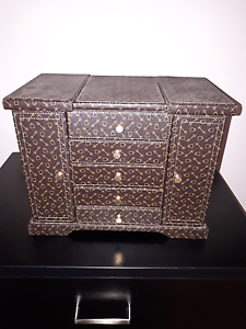 Large Jewllery box Ferntree Gully Knox Area Preview