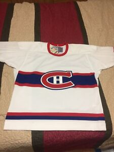 CCM Montreal Canadiens Vintage NHL Hockey Jersey Size Large BNWT