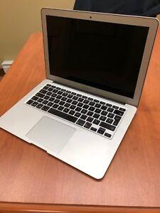 MacBook 1,6 GHz presque neuf