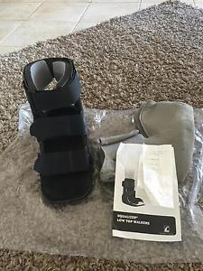Moon boot cam walker RRP$125 Frankston South Frankston Area Preview