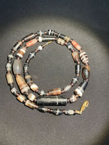 ancient banded agate beads necklace from south Asia