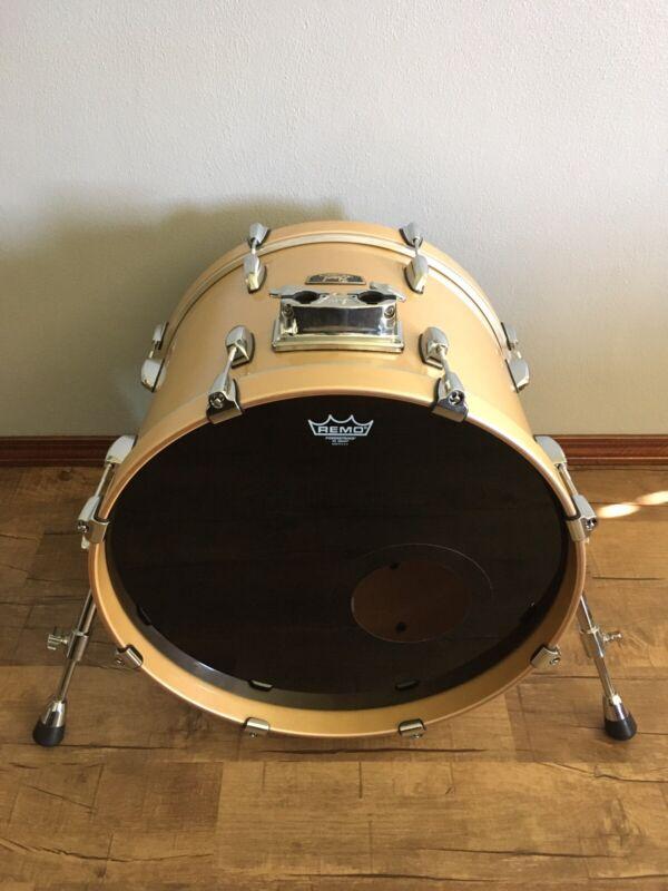 Pearl Wood Fiberglass 20x14 Platinum Mist Bass Drum