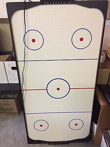 Air hockey table 5' x 3' complete with 2 paddles and a puck