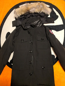 Canada Goose Men Banff size small 850 used half season
