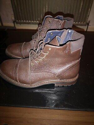 Joseph Abboud Mens boots size 9vrown