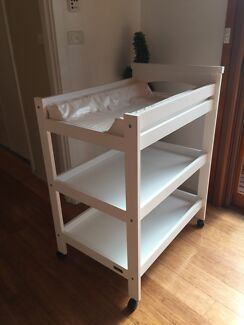 Baby Change Table White with Wheels lockable