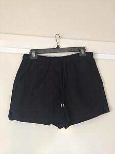 Country Road Shorts size 6 Capital Hill South Canberra Preview