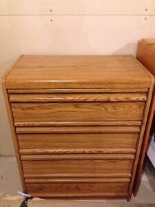 Commode 4 tiroirs vintage plaqué bois