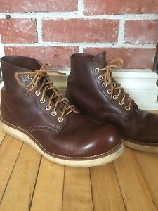 Red Wing 8196 Heritage Round Toe boots