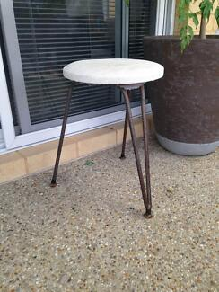 stool/pot plant stand Safety Bay Rockingham Area Preview