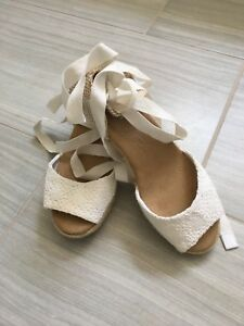 Ladies Size 8white Shoe