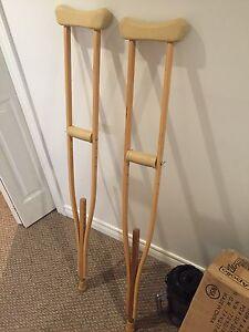 Wood crutch