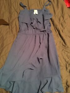 Medium blue short dress (make sure to look a second picture)