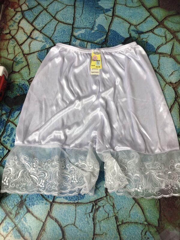 NWT Unique Pants Bloomer Lace slip  Size Medium