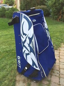 Grit Hockey Bag with wheels