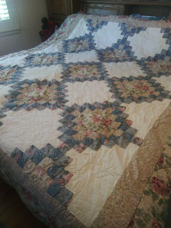"""VTG Handmade Queen Quilt Rose & Floral Patchwork Cutter Quilt Needs TLC 86 x 98"""""""
