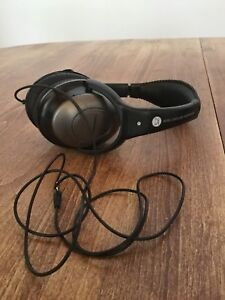 Comfortunes Wired Noise Cancelling Headphones