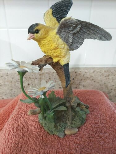 "Lenox Springtime Brilliance 2001 Goldfinch w/Daisies Figurine 6"" - FREE SHIPPING"