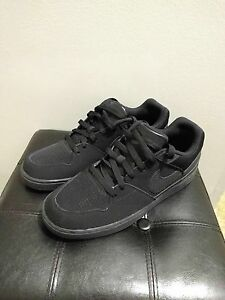 Nike Priority Low Men's size 10.5 shoes