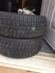 2-205/55R16 Unitoyal  winter tires