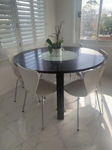 Modern 6 seater round dinning table (turning table) and 6 chairs