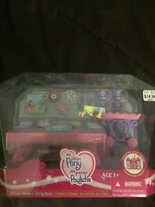 Selling my little pony set