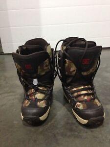 Men's Size 8 DC Snowboard Boots