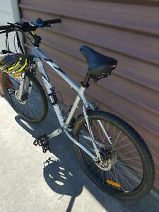 Men's GIANT mountain bike