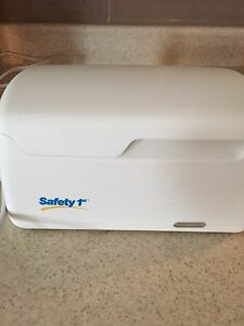 Safety first baby wipes warmer