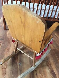 Vintage child's rocker 15 obo  London Ontario image 3