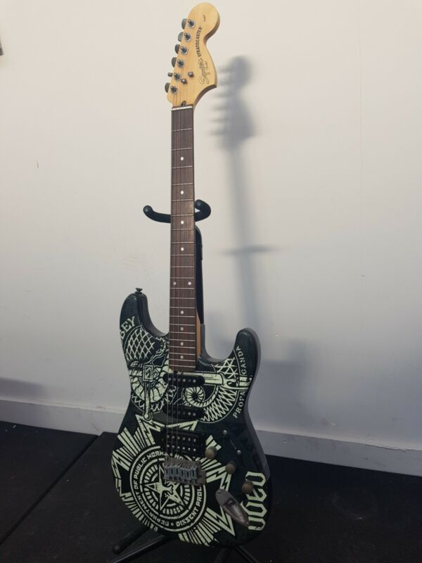 FENDER SQUIER OBEY Stratocaster Electric Guitar RARE ****FREE POSTAGE & CASE****