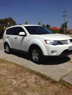 Mitsubishi Outlander 2009 6 speed auto SUV 5 seater family wagon  Winthrop Melville Area Preview