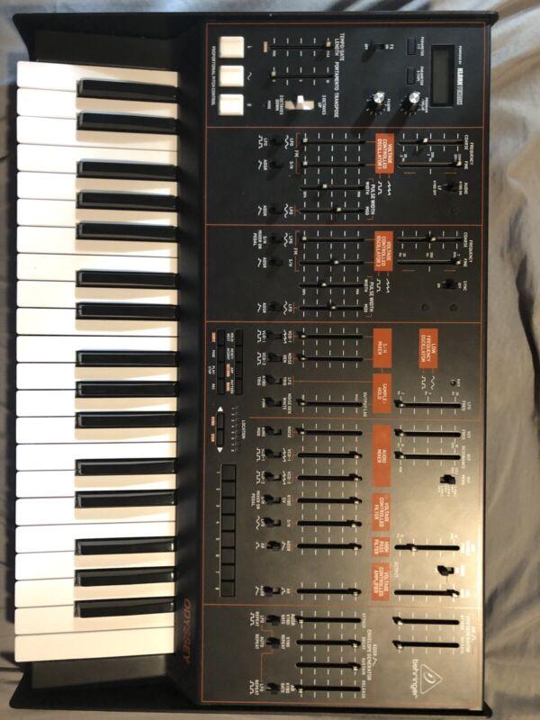 Behringer ODYSSEY Analog Synthesizer with 37 Full-Size Keys. Mint!!