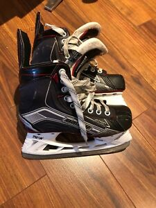 Bauer Vapor x500 youth size 4
