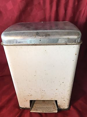 Origin Lincoln Beautyware Metal Step-on Trash Can Plastic Liner