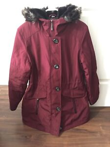 Women's winter coat size ladies medium.