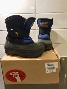 Stonz Toddler Winter Boots, Size 7
